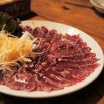 Bistro ひつじや - 羊肉のレアステーキ