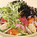 矗々家 - 海苔と海鮮たっぷり漁師さんのサラダ~わさびドレッシング~ 780円