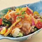 矗々家 - 旬野菜と帆立のジュレ仕立てサラダ 680円