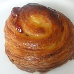 ラ ヴィ モン フレール - 料理写真:パンオクランベリー \160