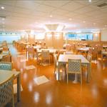 ふらのラテール - ホテル内レストラン「ルノール」です。