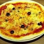 La Pausa - オリーブとアンチョビのピザ 380円