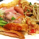 レストラン セリーナ - 紅茶鴨のスモーク、クスクスサラダ、ローストビーフetc...