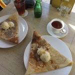 カフェ&スタジオ・ウフ - ブルーベリークレープといちごクレープ、アイスティー・紅茶