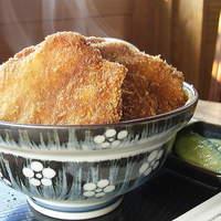 いるか喫茶バー - ソースカツ丼(敦賀風)¥750 ランチタイム(PM2:00まで)のみ。コーヒーorビールとセットで¥1000