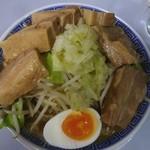 鶏とふじ - 12/2011うま節めん小豚パドック(野菜と脂少なめ)900円