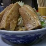 鶏とふじ - 12/2011うま節めん小豚第四コーナー(野菜と脂少なめ)