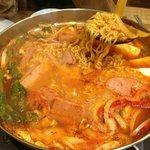 ひゃん - 軍隊鍋。麺が入ってます。辛いですが美味しい!