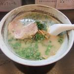 ラーメン逄 - 料理写真:ら~めん480円!