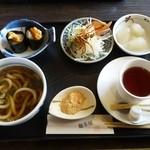 麺茶屋 - モーニング 500円。