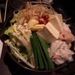 九州 熱中屋 新宿LIVE - 塩とんこつのモツなべ