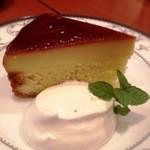 Le Premier Cafe - (自家製)プリンのケーキ 500円