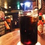 DUG - ノスタルジックな店内でアイスコーヒー