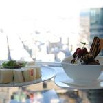 カフェ ド シエル - ミックスサンドとチョコパフェ