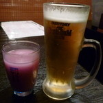 焼肉酒家 牛さくら - 【巨峰マッコリ】と【プレミアムモルツ(中) 390円】