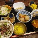 百年邑 - 邑の小鉢御膳(馬とろセット)(2009.1画像追加)