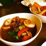 ウィザーズ - スープカレー(パリパリ骨なしチキン&野菜)