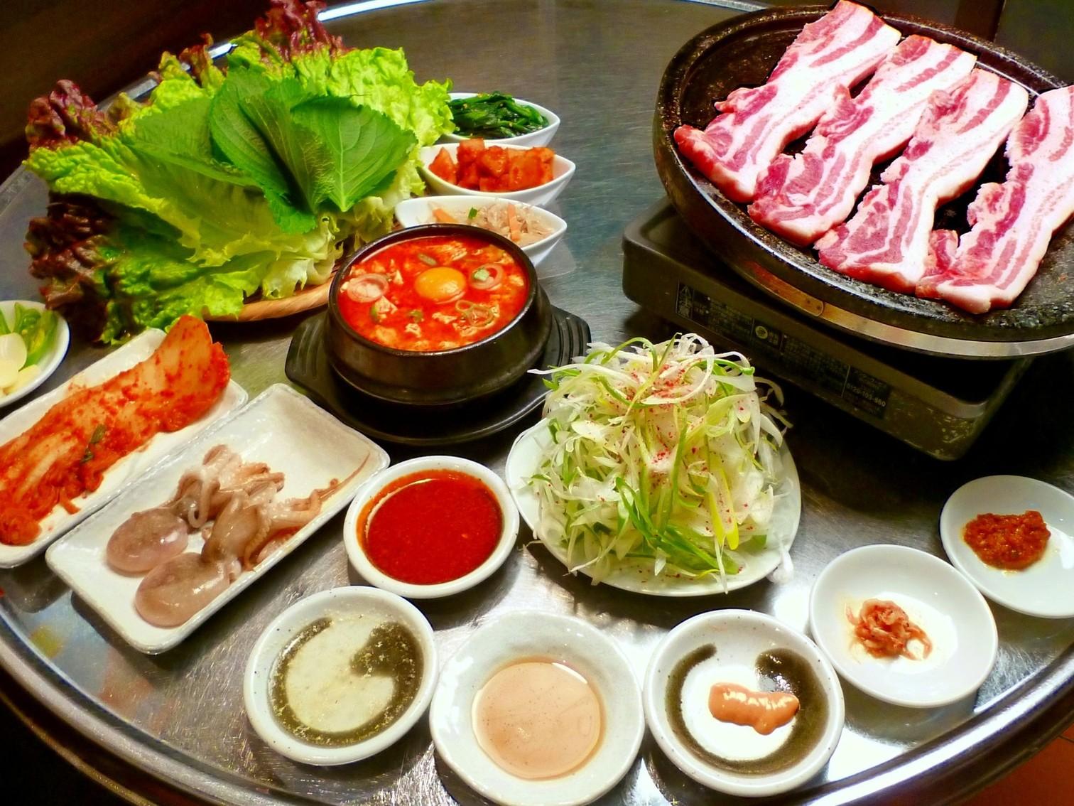 https://tabelog.ssl.k-img.com/restaurant/images/Rvw/11214/11214565.jpg