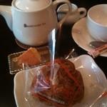 お菓子の家 鎌倉小川軒 - アルグレイとシュークリーム