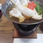櫂 - 料理写真:鍋にはカニ・・