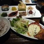 市場小路 - チキン南蛮定食 950円