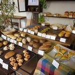 ひょうたんカフェ - たくさんのパンたち