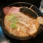 豚人 - とことんこつ(太麺)