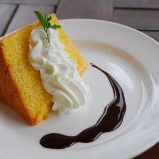 うかたま - 料理写真:シフォンケーキ