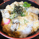 まいづる茶屋 - 舞鶴産の牡蠣が5個以上入っているのが「舞鶴カキ丼」の条件