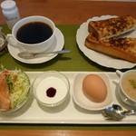CAFEりんく - モーニング(アーモンドセット全体)