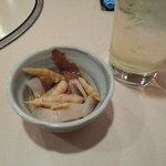 おもいで横丁 - 晩酌セット(1杯&お通しで200円!!)