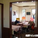 うさぎのキッチン 桜亭 - 2012年2月 テーブル席が増えました