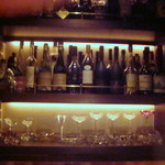 ドランブイ - バカラのグラスが並んでいます