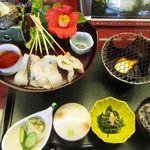 海の花 - 「館山炙り海鮮丼」特製三段どんぶり使用 1500円