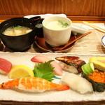 魚菜屋 幸太 - 1100円のランチはサラダや茶碗蒸し、赤だしまでついて納得の内容