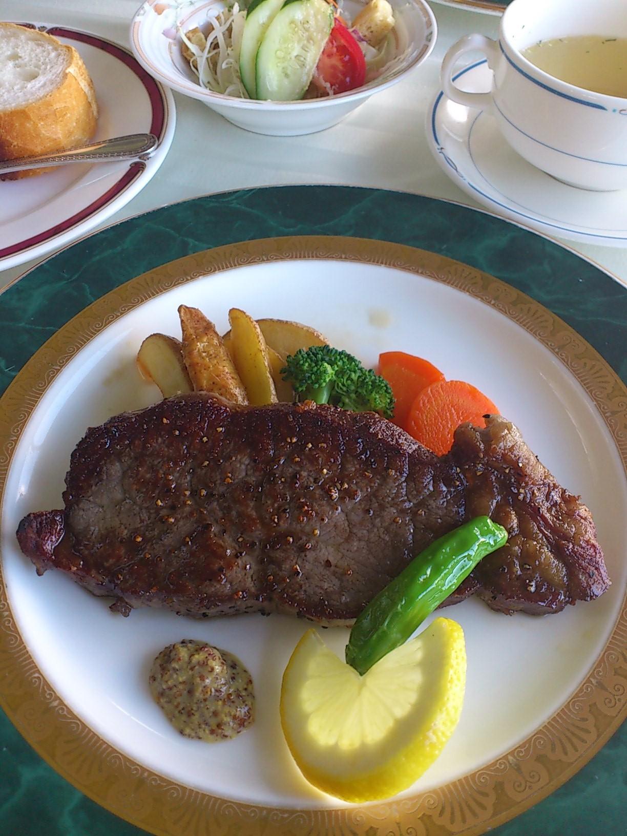 レストラン ポミエ