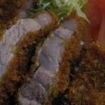 養気亭 - 地元食肉市場から仕入れる豚肉