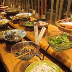 はーべすと - 和食が沢山並んでいるブッフェ形式~♪