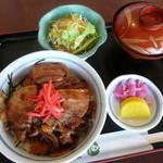 和風レストラン しんりん - 生姜風味が食欲を増す「奥利根豚のスタミナ丼」680円(ランチ)
