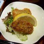 八兆屋 - 月替わり定食の牡蠣と真鱈のフライ