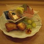 日本料理店 さとき - 河豚の唐揚げ、鮟鱇の肝、菊菜、銀杏松葉揚げ、卵黄味噌漬け。