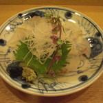 日本料理店 さとき - 松皮鰈の薄造り。