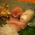 博多 一梅 - 細君が頂いたウニの鯛巻きと白子のヒラメ巻き