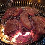 オーロックス - 料理写真:炭火焼肉