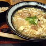 杵屋 - 王(ワン)さんの玉子とじうどん定食(800円)