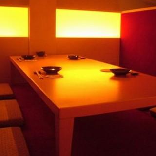 人気の隠れ家的なロフトの個室で楽しい時間をお過ごし下さい。