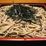 萬盛 - 料理写真:ざる蕎麦450円で手打ちなのです!