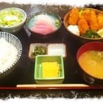 刺身居酒屋 海鮮丸 - かきフライ定食