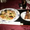 オークビレッヂ ゴルフクラブ - 料理写真:海鮮堅焼きそば&中華チマキ