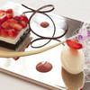 OTTO SETTE - 料理写真:旬のいちごを使ったデザート デザートワインのジュレと共に